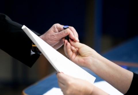 Alegeri parţiale în Prahova. Vezi aici ordinea partidelor pe buletinele de vot