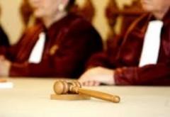 OFICIAL CCR: Parlamentul 'are obligația de a reglementa pragul valoric' la abuz în serviciu
