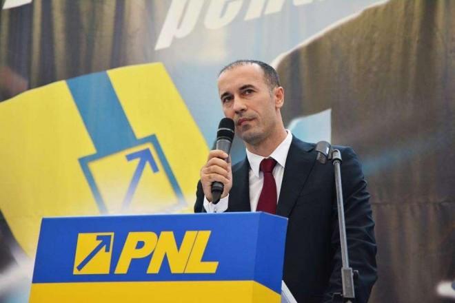 Iulian Dumitrescu, ales prim-vicepreședinte al PNL