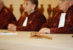 DEFINITIV: CCR obligă Parlamentul să introducă prag la abuzul în serviciu/ MOTIVARE