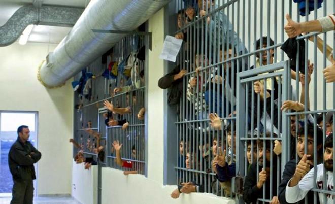 Problema condițiilor din închisori revine: Iohannis, luat la întrebări la Bruxelles