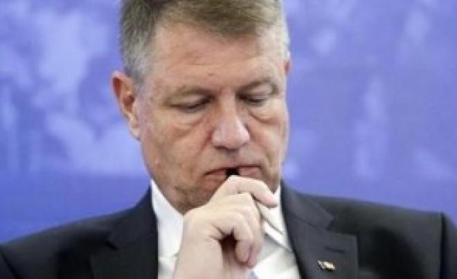 """Răzvan Savaliuc: """"Iohannis are DOSAR la DNA pentru vânzarea caselor de la Sibiu. Este SANTAJAT!"""""""