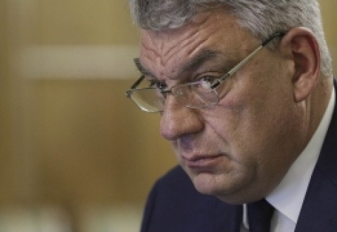 Premierul Tudose, SOLICITARE către ministrul Apărării în privința pensiilor militarilor
