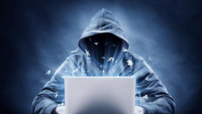 Un grup de hackeri vrea sa puna mana pe secrete din viata INTIMA a politicienilor. Cine a fost luat in vizor