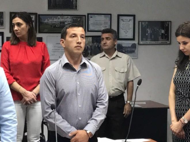 Adrian Galca este noul consilier judetean, venit in locul lui Gabriel Hornoiu