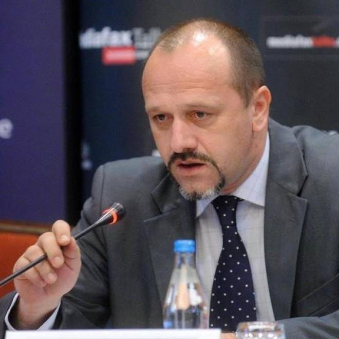 Fugiti! Consilierul ploiestean Bogdan Nica se detoneazã