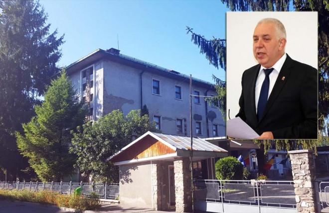 Primarul Tiseanu predă la Liceul Energetic, două zile pe săptămână. Dacă nu-l găsiți la Primărie, acum știți unde este...