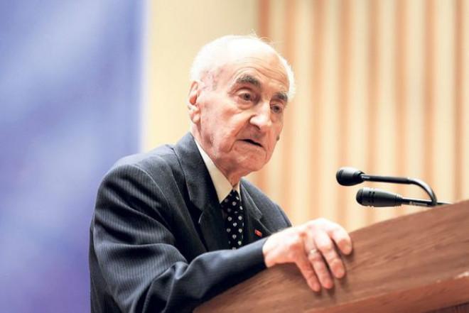 A murit Mircea Ionescu Quintus. Președintele de onoare al PNL avea 100 de ani