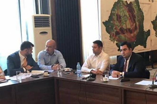 """Presedintele CJ Prahova, Bogdan Toader, intalnire de lucru cu ministrul Transporturilor: """"Autostrada Ploiești-Brașov este o prioritate"""""""