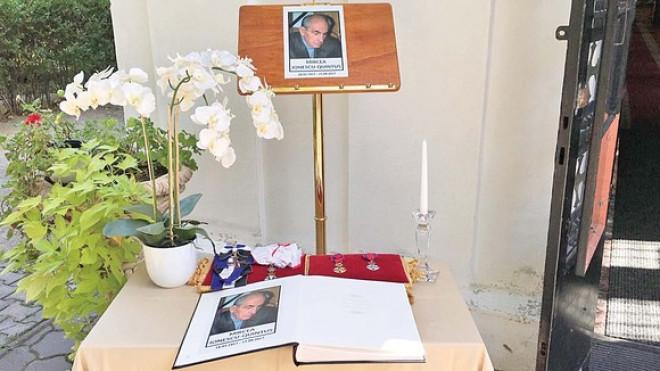 Marele liberal Iohannis nu si-a gasit timp sa vina la Ploiesti, la inmormantarea lui Mircea Ionescu Quintus