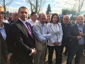 Presedintele PMP, Traian Basescu, a participat la Festivalul Toamnei de la Filipesti de Targ