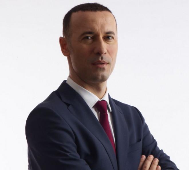 """Oare la cine se refera? Iulian Dumitrescu: """"În PNL există organizaţii care nu au performat şi care nu vor performa niciodată"""""""