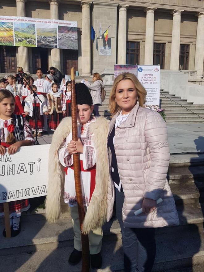 """Deputatul PSD Laura Moagher: """"Este important ca impreuna sa asiguram păstrarea tradițiilor"""""""