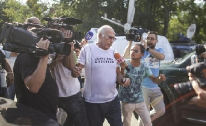 Dan Voiculescu, solidar cu Adrian Nastase in razboiul cu Radu Banciu: Non-valorile 'comentează' și 'formează opinii'