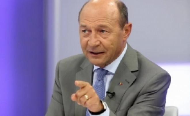 """Traian Basescu, la Chisinau: """"Pentru ieşirea din zona gri a Republicii Moldova trebuie luată în considerare reunificărea cu România"""""""