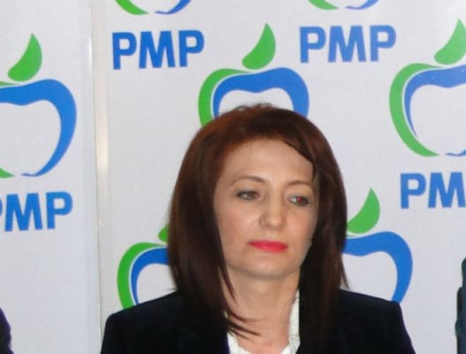 Deputat Catalina Bozianu: Momentele festive precum vizita lui Iohannis or avea rolul lor. Mai important e ce facem în mod în concret pentru comunele și orașele noastre