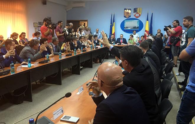 Tribunalul a anulat hotărârea Consiliului Local Ploieşti prin care se plăteau de la buget pierderile Veolia de 12 milioane de lei