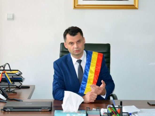 A aparut PETITIA pentru demiterea primarului Ploiestiului, Adrian Dobre. Cine a lansat-o
