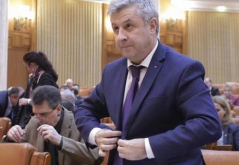 CCR a respins sesizările PNL şi USR pe tema legalităţii constituirii comisiei Iordache