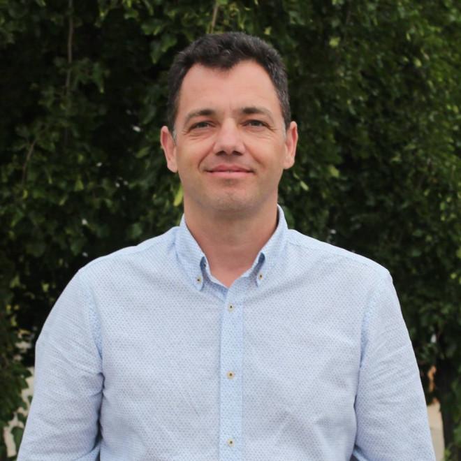 Senatorul PSD Radu Oprea propune PLAFONAREA DOBANZILOR la credite