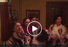 Viceprimarul Cristi Ganea, vizitat acasa de colindatori/VIDEO