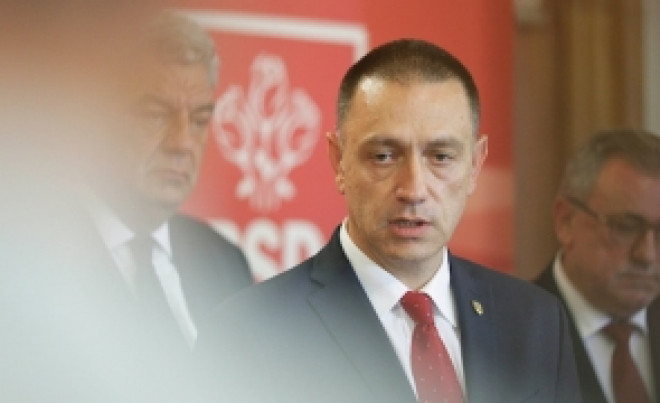 """Ministrul Apărării cere """"convocarea de urgenţă"""" a unui Comitet Executiv Naţional al PSD"""