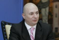 Codrin Ștefănescu dă semnalul la sosirea la sediul PSD: 'Suntem toți cu nervii la pământ' (VIDEO)