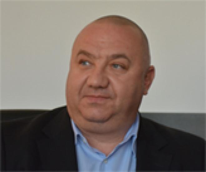 """Tensiuni intre primarul Adrian Dobre si viceprimari. Cristi Ganea acuza: """"Suntem tratati ca niste fraieri. Domnul primar a uitat sa comunice, ia deciziile singur"""""""