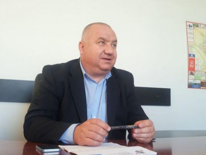 Viceprimarul Cristian Ganea solicită urgentarea realizării reţelei de apă şi canalizare în cartierul Mitică Apostol