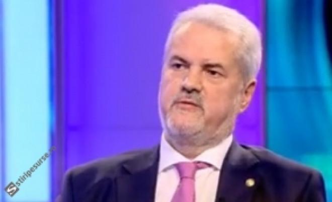 Adrian Năstase sare în apărarea jandarmului 'bătăuș' și arată cu degetul spre televiziunile de știri: 'Aveau nevoie de subiecte bombă'