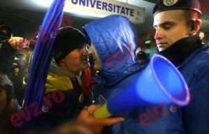 De ce au IEŞIT puţini oameni să protesteze împotriva ABUZURILOR din DNA: Nu au fost prelucraţi în LABORATOR