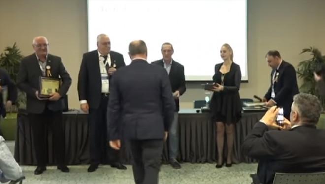 """Primarul din Cornu, Cornel Nanu, distins cu trofeul """"Ivan Patzaichin"""". Premierul Dancila, prezent la eveniment"""