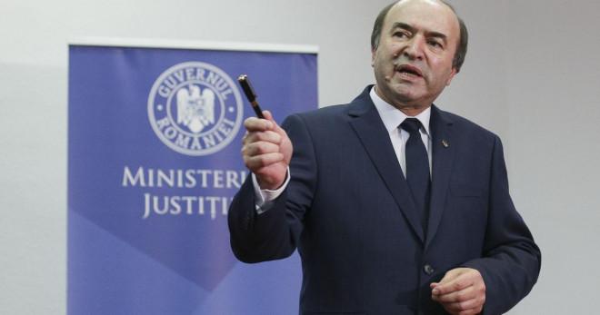Tudorel Toader, acuzaţii fără precedent la adresa Laurei Codruţa Kovesi: 'S-a FALSIFICAT transcrierea unor convorbiri' / VIDEO