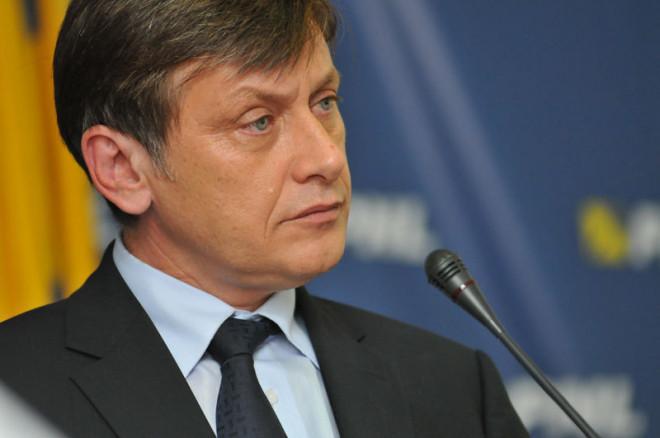Crin Antonescu, mesaj pentru Iohannis, in scandalul DNA: 'Aceste lucruri nu pot fi ignorate de președintele României'