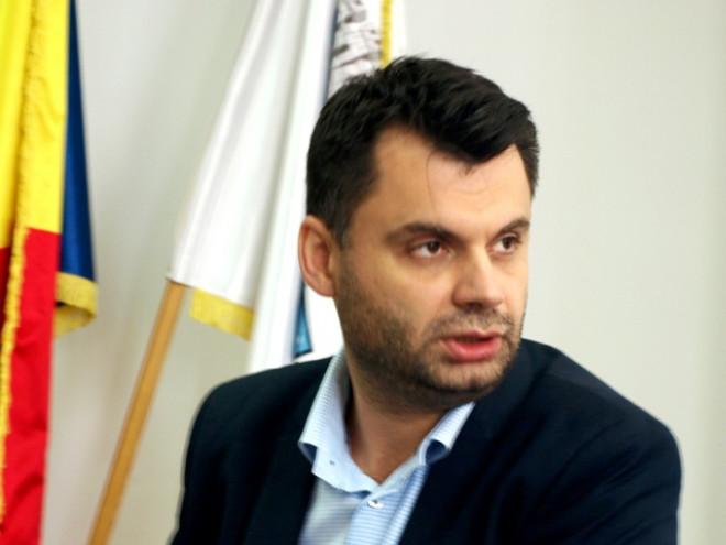 """Primarul Ploieştiului dă explicaţii despre studiile de 2,7 milioane care au expirat şi promite că """"podul de lemn"""" se va face în 2018"""