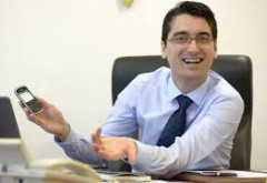 """Un LIDER al grupului """"Noi suntem Statul!"""", beneficii de MILIOANE din partea FRF. Culisele unei relații FALIMENTARE pentru fotbalul românesc"""