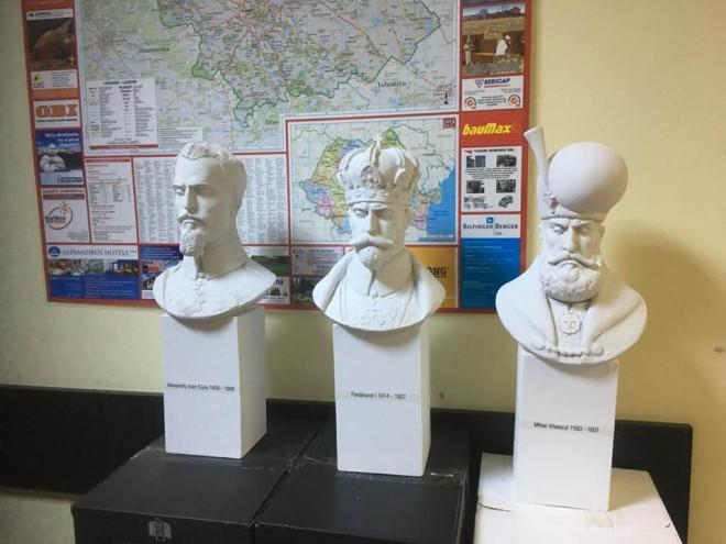 SMV Ploiesti doneaza trei busturi Academiei Europene pentru Relatii Economice si Culturale de la Roma