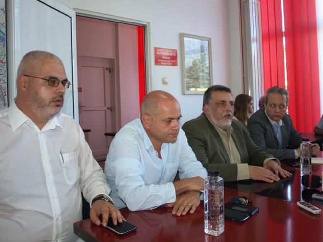Consilierii PSD si ALDE, solutie pentru dezinsectia din Ploiesti. Atac la adresa primarului, caruia ii solicita DEMISIA
