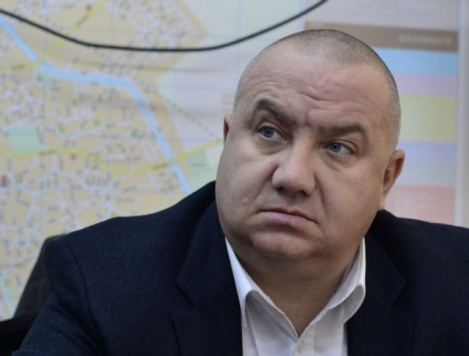 Viceprimarul Ganea, propunere privind inchirierea locurilor de parcare de la bloc: O singura masina de apartament, doar dupa ce proprietarul si-a achitat toate taxele si amenzile