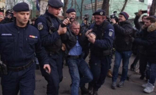 Scandal URIAȘ în mișcarea #REZIST - Sandu Matei sare la gâtul lui Mălin Bot: 'Ne-ai trădat pentru imagine și bani'