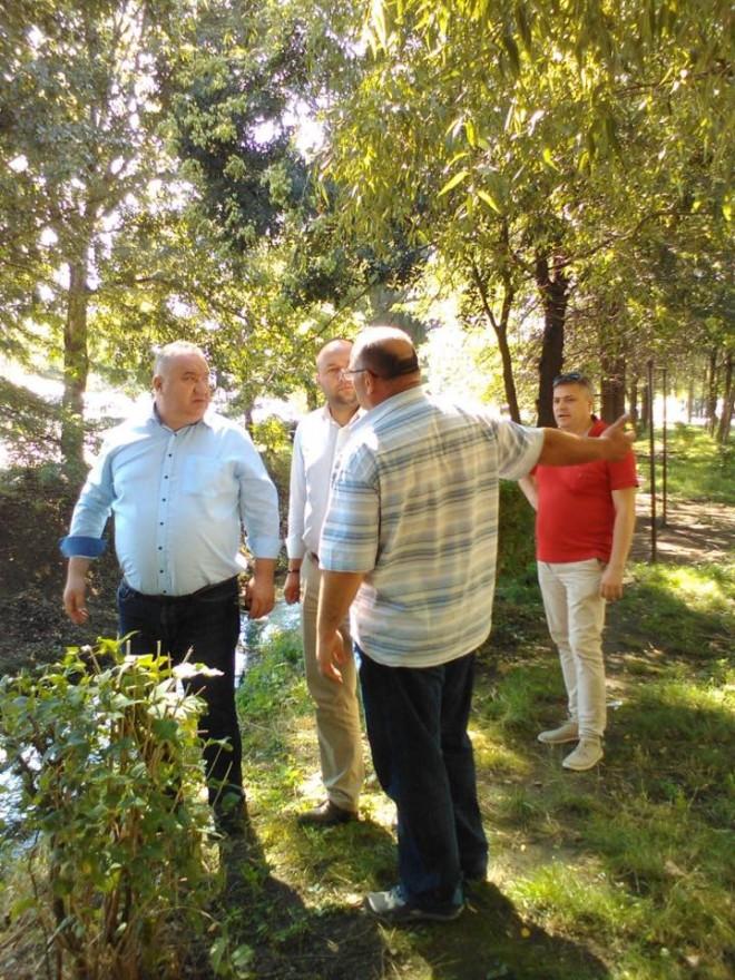 Viceprimarul Ganea si directorul RASP, in vizita de lucru in zona paraului Dambu