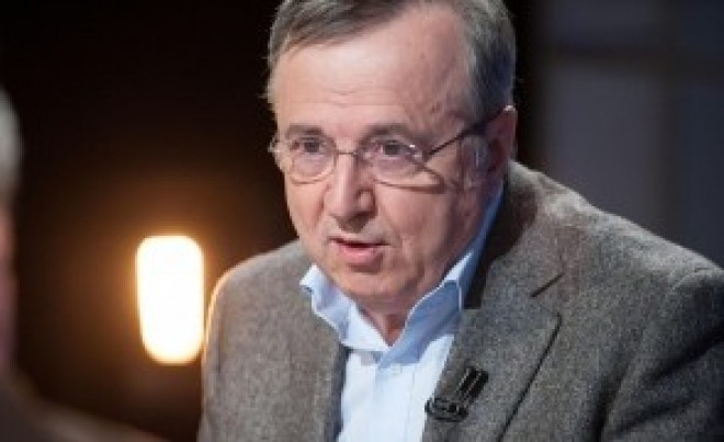 """Cristoiu: """"M_ _ E PSD e o diversiune pusă la cale de SRI și SIE, la ordinele lui Klaus Iohannis"""""""