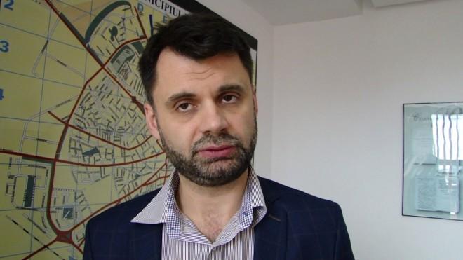 Primarul Adrian Dobre minte ploieștenii pe Facebook. Din nou!