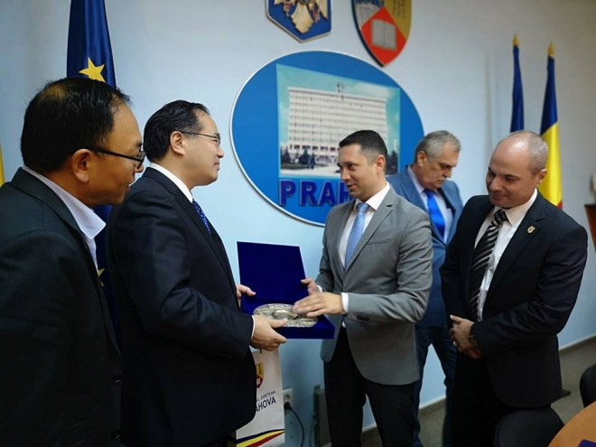 Delegatie chineza, primita de presedintele CJ, Bogdan Toader. Discutii despre investitii in Prahova