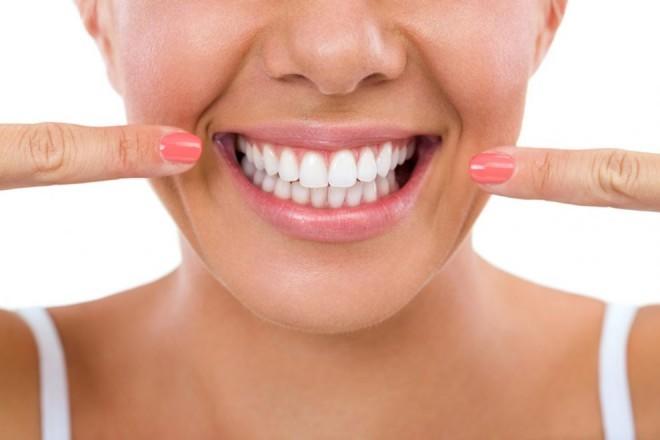 Oja pentru dinţi, cel mai nou şi mai ciudat trend în materie de frumuseţe dentară