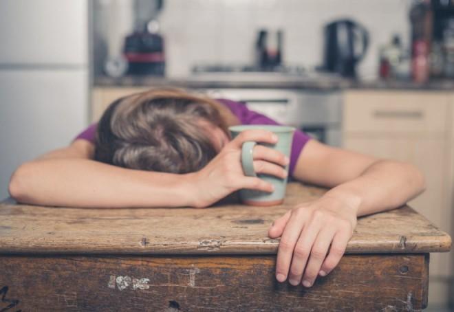 Sfatul psihoterapeutului: Ce trebuie să faci dacă eşti tot timpul obosit şi nu dormi bine