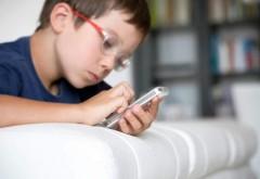 ŞOCANT: Creierul copiilor se modifică din cauza telefonului mobil şi a tabletei