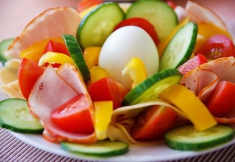 DIETĂ. Combinații alimentare pe care să le eviți întotdeauna! Îți distrug organismul