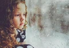 Efectele lipsei de afecțiune în copilărie la maturitate