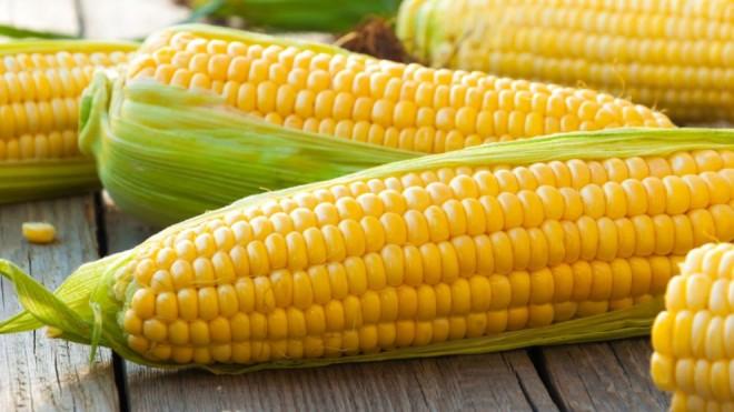 Trebuie să mănânci porumb fiert! Conţine vitamine care protejează inima, combat stresul şi scad colesterolul